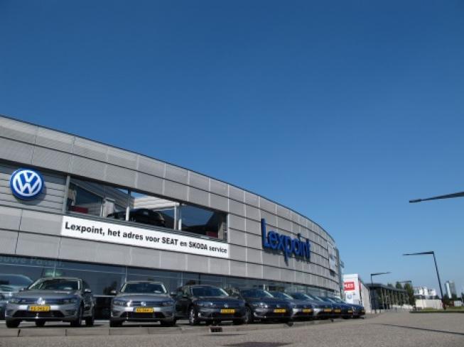 Lexpoint levert 9 groene Volkswagens Passat GTE aan Delta Electronics in Hoofddorp