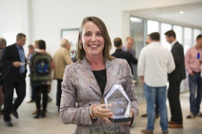 Jeanet van Antwerpen wint Influence Award 2016